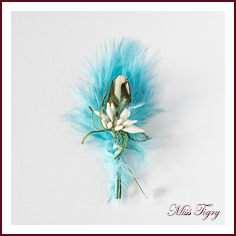 boutonni re broches invit s mariage plume bleu turquoise rose ivoire et petit bouquet blanc. Black Bedroom Furniture Sets. Home Design Ideas
